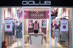 Оформление входа в магазин модной одежды