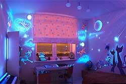 Дизайн комнаты с использованием люминофора