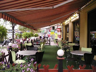 Интерьер летнего кафе