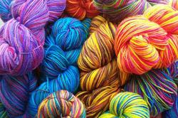 Цветовое разнообразие пряжи