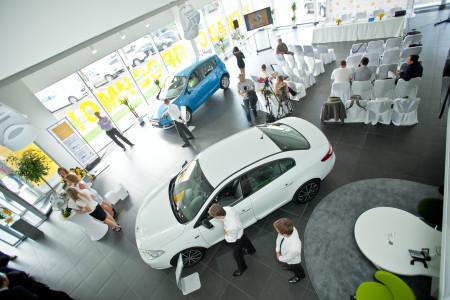 День открытых дверей в в автоцентре Renault.
