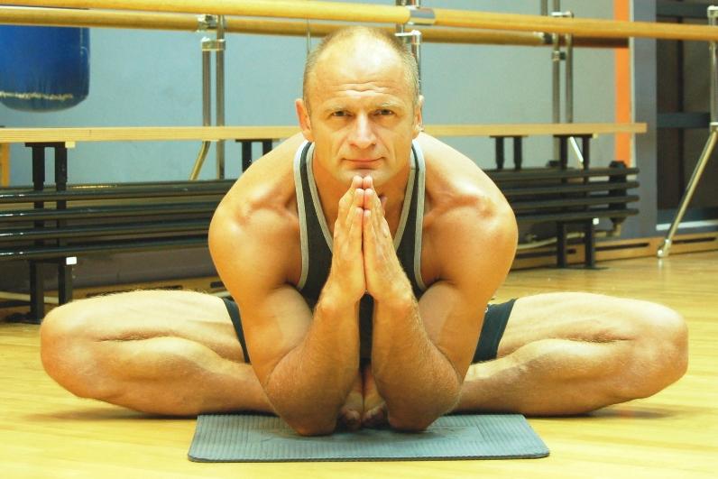 Тренер по йоге