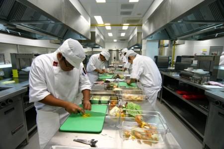 Обустройство кухни ресторана