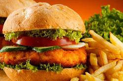 Гамбургер и картофель фри
