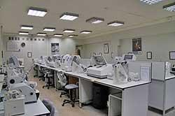 Лаборатория по изготовлению и ремонту очков
