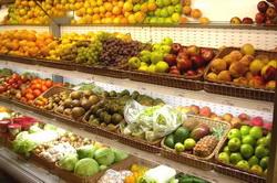 Традиционная выкладка овощей и фруктов