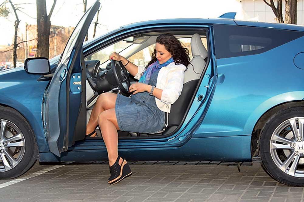 Фото беременной девушки в машине