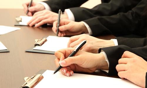 Юридические и правовые услуги