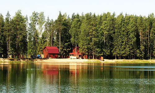 База отдыха на берегу озера