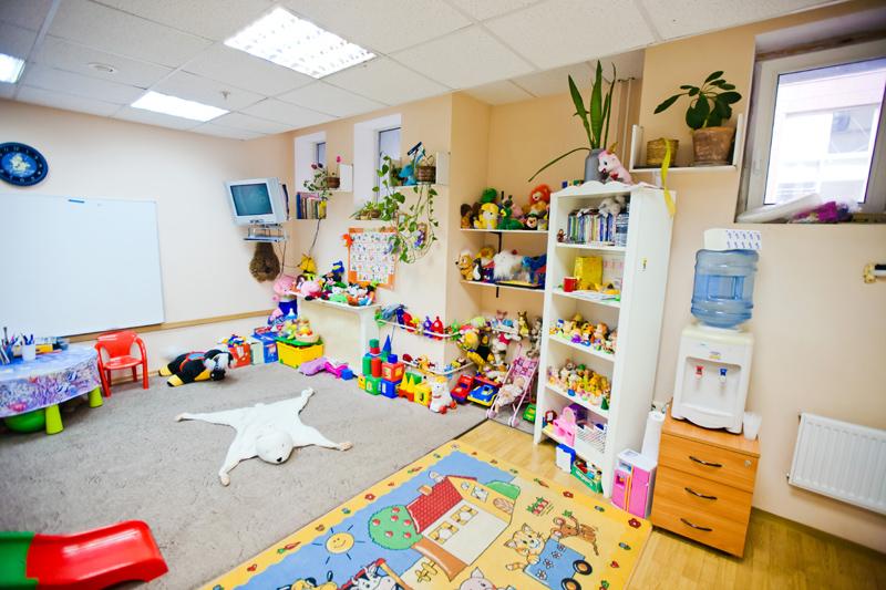 Организуйте детскую комнату для удобства клиентов
