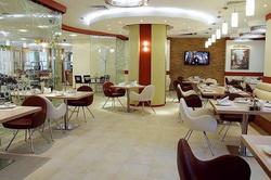 Интерьер кафе в бизнес-центре