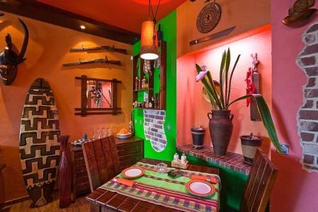 Кафе с мексиканским интерьером.