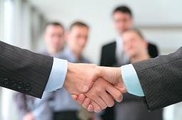 чаще всего клиентами тренинговых центров являются банки и другие крупные компании