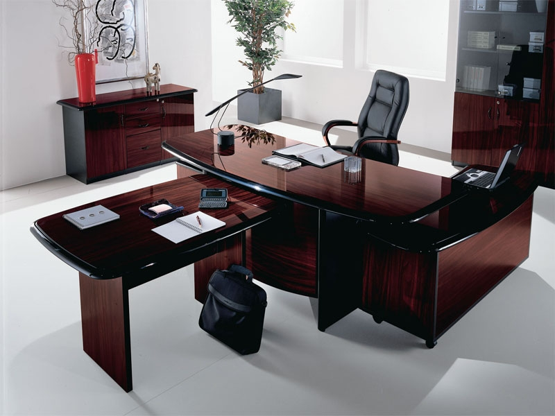 Мебель и оборудование.
