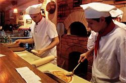 Персонал пиццерии